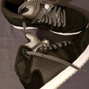 Used shoes no box good condition